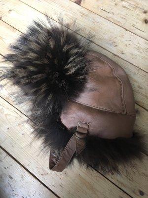 Mütze aus echtem Fell und Leder