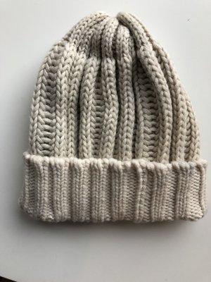 Chapeau en tricot chameau