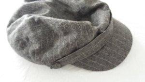 Mütze grau mit Nadelstreifen