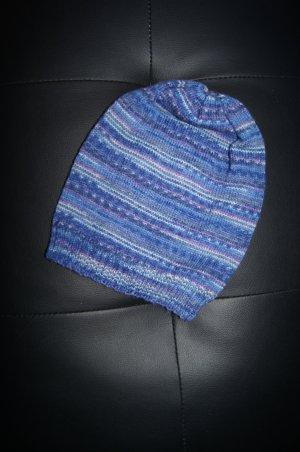 Mütze handmade in Germany vom Handarbeitsmarkt, blau gemustert, meliert