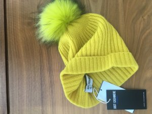 Chapeau en tricot jaune fluo