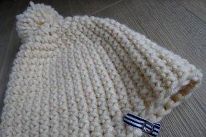 Chapeau en tricot blanc-blanc cassé laine