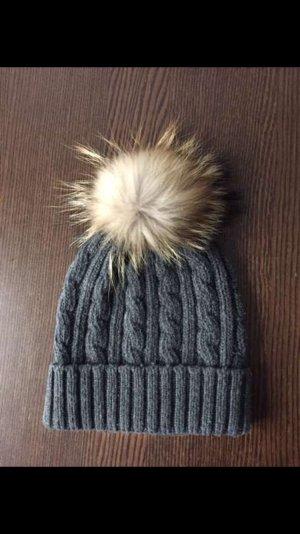 Mütze mit Fell