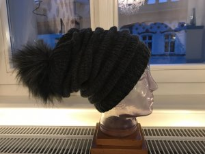 Sombrero de piel negro-gris