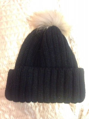 Mütze mit Kunstfell- Bommel:)