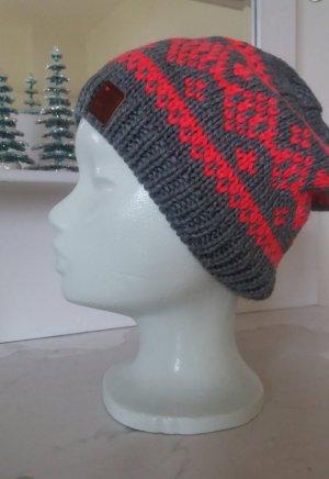 Mütze mit Norwegermuster
