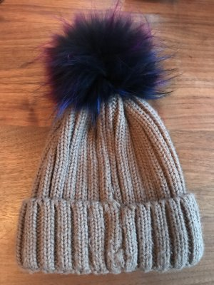 Bobble Hat camel