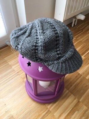Mütze mit Schild in grau von Accessorize