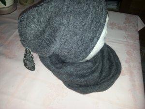 Mütze mit  Schlauchschal   grau