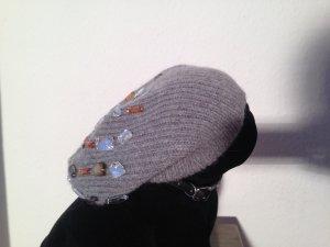 Mütze mit Ziersteinen von Esprit