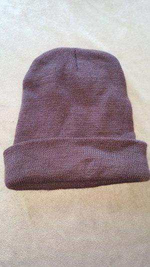 Chapeau en tricot brun
