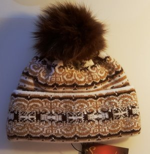 Bobble Hat brown angora wool