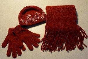 Mütze, Schal und Handschuhe im Set