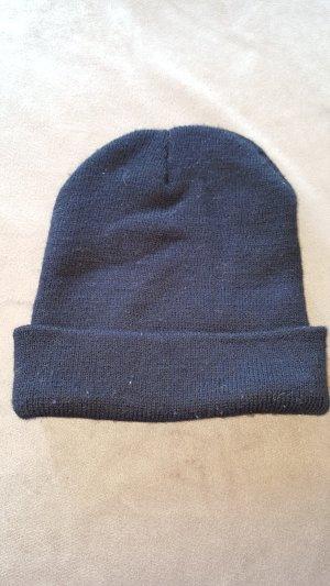 Chapeau en tricot noir