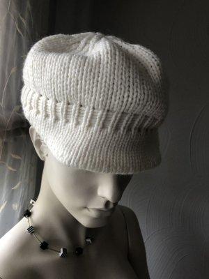 Sombrero de punto crema-blanco puro