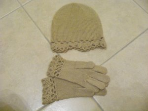 Mütze und Handschuhe für die kalten Wintermonate :)