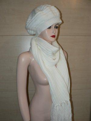 Mütze und Schal creme