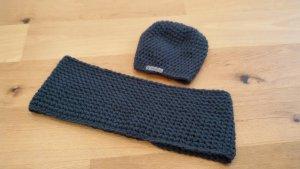 Mütze und Schal im Set NEU