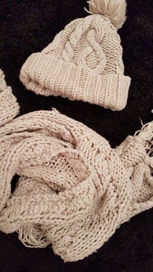 Mütze und Schal Set beige
