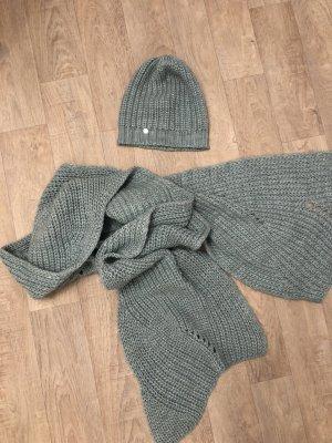 Mütze und Schal von Esprit in mintgrün
