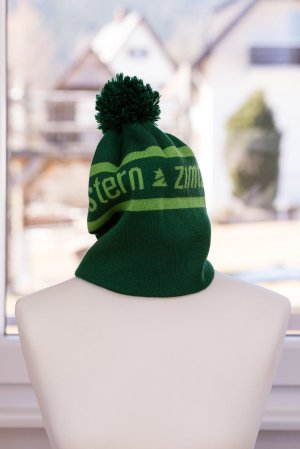 Zimtstern Knitted Hat forest green-green