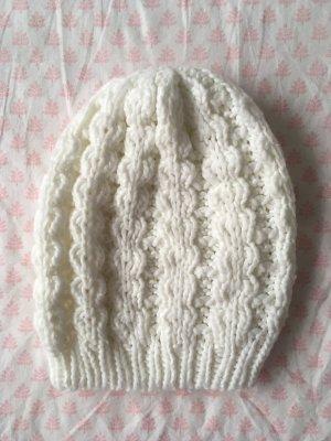 Sombrero de punto blanco puro