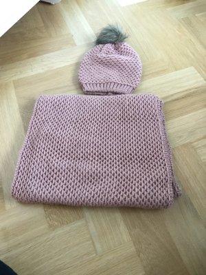 Mütze zu verkaufen, kombinierbar mit Schal
