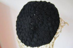 MÜTZENMODE UND KEIN ENDE ... schöne schwarze Mütze ...