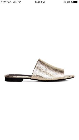 Mules / Schlappen / sandalen in Gold