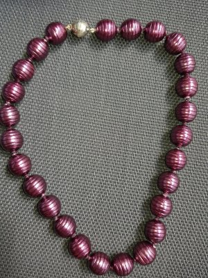 Pearl Necklace bordeaux