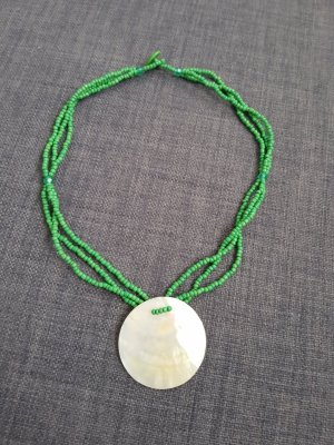 Shell Necklace green