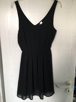Must Have: Black Mini dress
