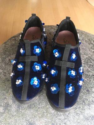 Must Have: Hingucker Sneaker aus Samt mit Pailletten und Perlen Statement- Größe 37