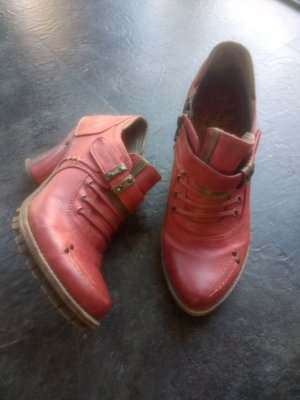 Mustang Shoes Tacones de plataforma rojo ladrillo