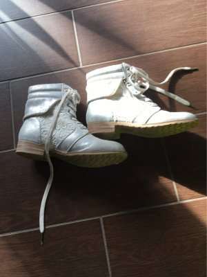 Mustang Short Boots silver-colored