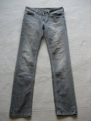 mustang jeans gr. m 38 neuwertig grau
