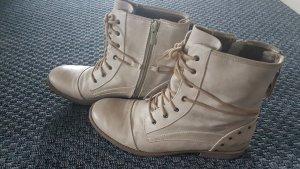 online store f5d74 ef7c2 Mustang Schuhe Größe 39