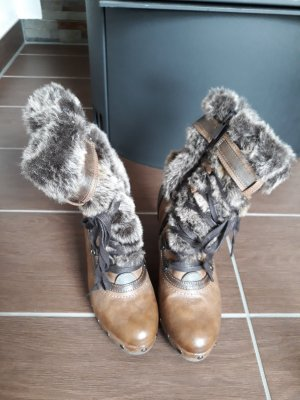 Mustang Shoes Fur Boots brown fake fur