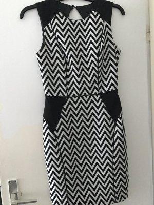 Muster Kleid