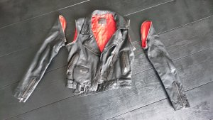 Muubaa Limited Edition Rindslederjacke mit abnehmbaren Ärmeln