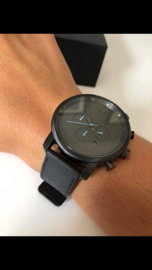 MVMT Watch With Leather Strap black-cream
