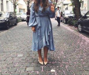 NA-KD Kleid in blau