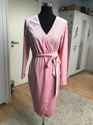 NA-KD Neues Kleid