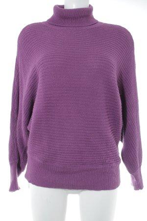 NA-KD Rollkragenpullover violett Lochstrickmuster Casual-Look