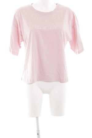 NA-KD T-Shirt rosa Schriftzug gestickt Casual-Look