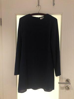 Nachtblaues Kleid von EDITED
