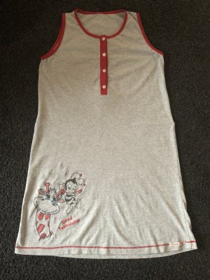 Ropa deportiva gris