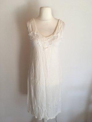 Nachthemd Kleid Nachtwäsche mit Spitze lang weß wollweiß Gr. S