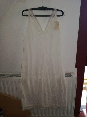 Pijama blanco-crema