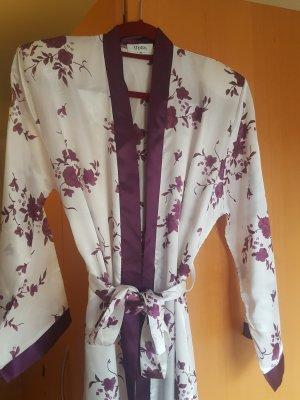 Kimono blanc-violet foncé